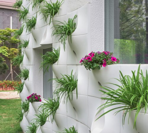 4_Planting-Pocket-with-plants-around-the-window_Small_Web